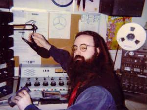 Radio-Den1-tie